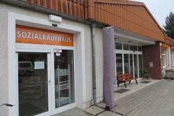Der Eingang des Sozialkaufhauses.