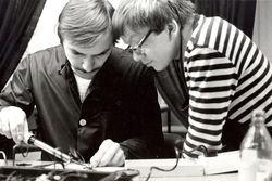 Horst Höhner und Fred Schuppan in der Werkstatt Peitzer Straße.