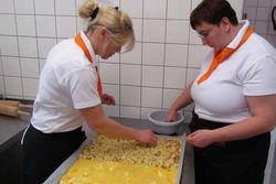 Kuchenbacken im Landgericht.