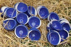 Keramikschalen, rustikal präsentiert beim Biohoffest.