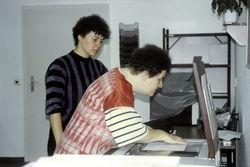 Copy-Shop und Schreibbüro in der Ringstraße, Kornelia Loos und Anita Baum, ca. 1992.