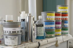 Materialien und Farben für den Offsetdruck.