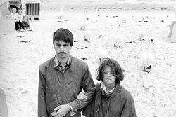 Torsten Herrmann und Elke Hagen bei einer Fahrt an die Ostsee, ca. 1989.