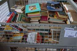 Noch unbearbeitete Bücherspenden.